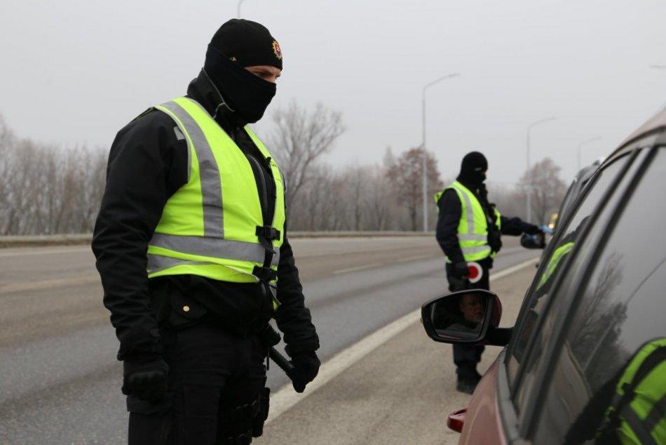 Ilustračný obrázok k článku Policajti v Banskobystrickom kraji: V boji proti koronavírusu budeme nekompromisní, VIDEO