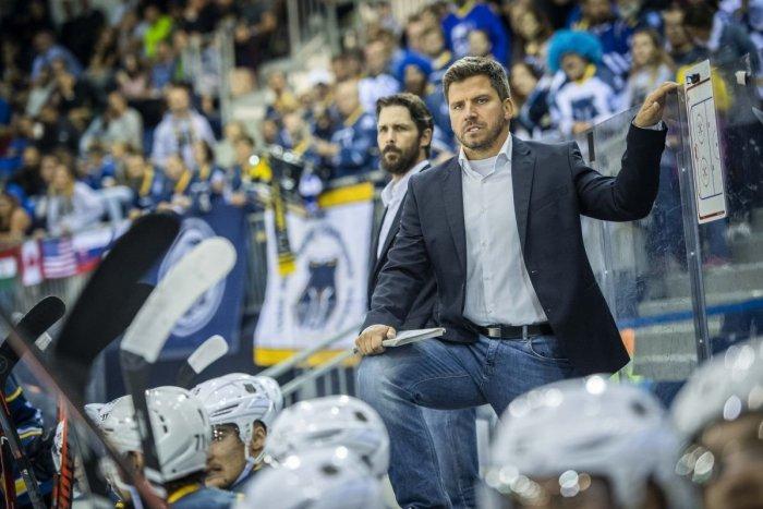 Ilustračný obrázok k článku Zámky prezradili meno nového trénera: Hrnčára nahradí maďarský kouč