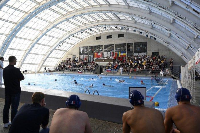 Ilustračný obrázok k článku V Novákoch chcú zriadiť bublinu pre športovcov: V rukách to má hlavný hygienik