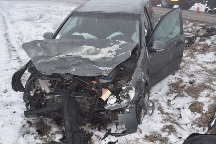 Ilustračný obrázok k článku Sneženie potrápilo vodičov: Viacerí skončili s autami mimo cesty, FOTO
