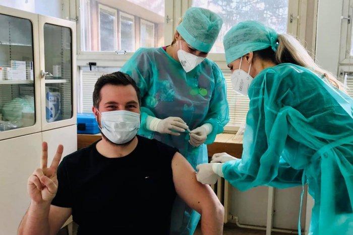 Ilustračný obrázok k článku Známy považskobystrický doktor Milan Kulkovský hovorí o očkovaní proti COVID-19