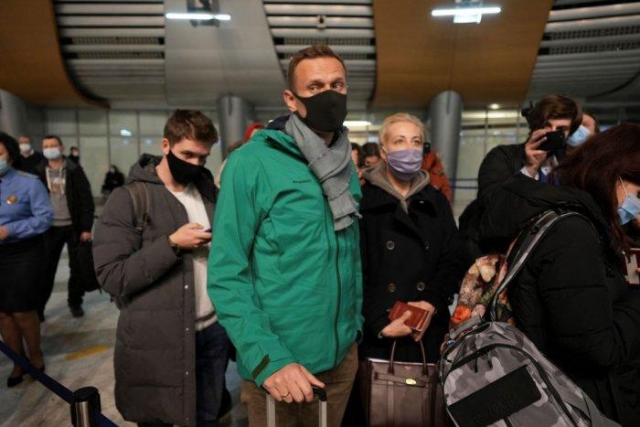 Ilustračný obrázok k článku Trpký návrat: Lídra ruskej opozície Navaľného zadržala polícia hneď po prílete! FOTO