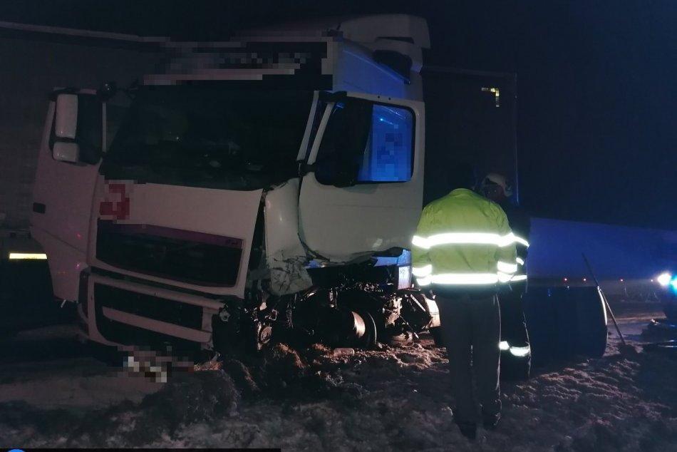 Ilustračný obrázok k článku Tragická zrážka s kamiónom: Mladý vodič zraneniam na mieste podľahol