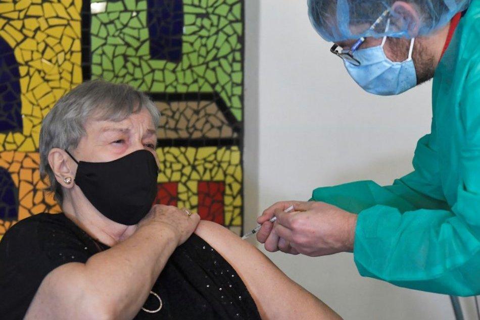 Ilustračný obrázok k článku Dôchodcom chýbajú informácie o očkovaní. Košická župa spustila vlastnú kampaň
