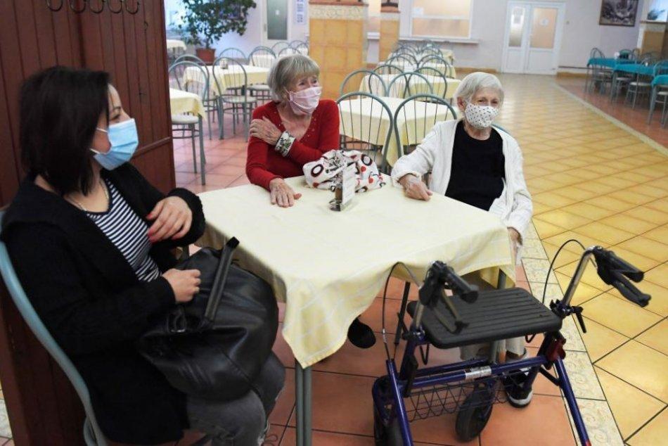 Ilustračný obrázok k článku Krásne gesto lekára v Nitre: Po očkovaní zahral seniorom na klavíri, VIDEO