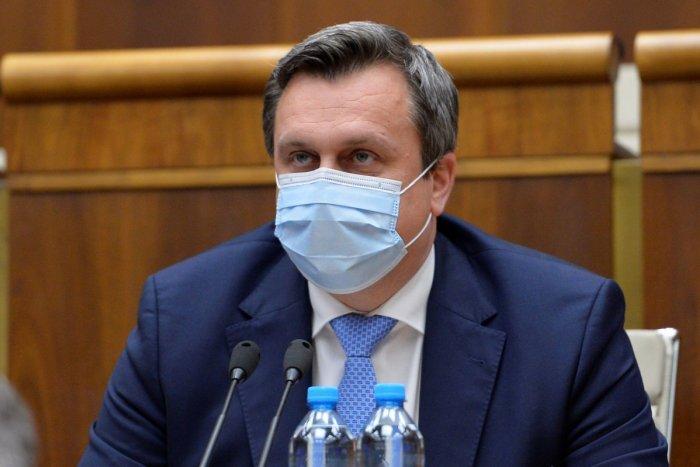 Ilustračný obrázok k článku Danko a SNS vyzvali vládu na očkovanie ruskou vakcínou! Čo na to ministerstvo?