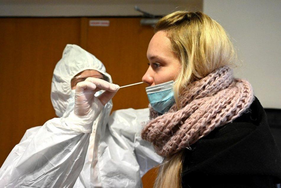 Ilustračný obrázok k článku Na testovanie v nemocnici v Rožňave je potrebné online objednanie. Ako a kde?