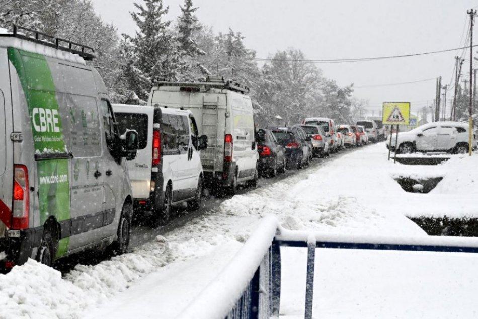 Ilustračný obrázok k článku V Bratislave sa stalo viacero nehôd, tvoria sa kolóny: KDE všade sa treba mať na pozore?