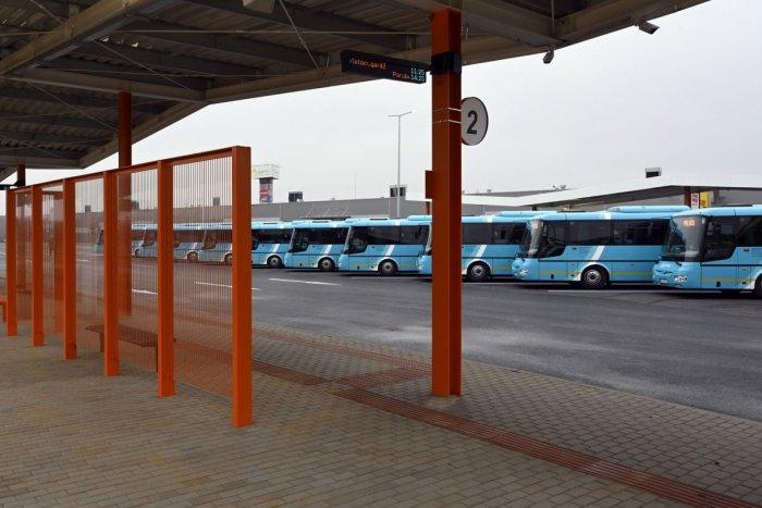 Ilustračný obrázok k článku Autobusová stanica na Kostolnom námestí? Podľa našich čitateľov bola lepšia