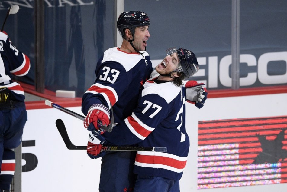 Ilustračný obrázok k článku Zdeno Chára pokračuje v kariére! Vracia sa na začiatok svojej cesty v NHL