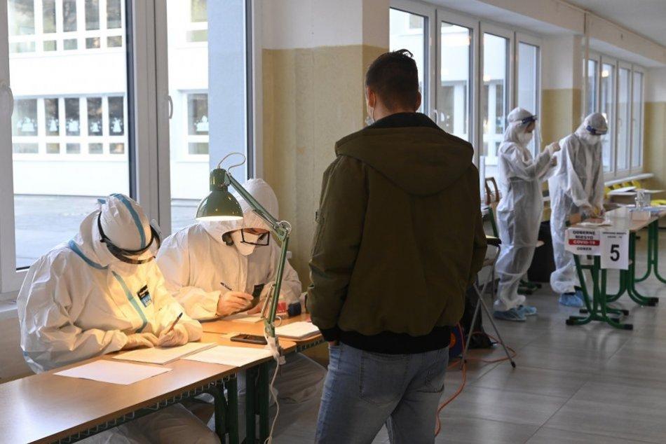 Ilustračný obrázok k článku Najhoršie správy: V Bratislave potvrdili silnú prítomnosť britskej mutácie koronavírusu