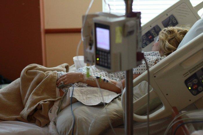Ilustračný obrázok k článku Konečne sa to zlepšuje: V nemocnici je menej pacientov na covidových lôžkach