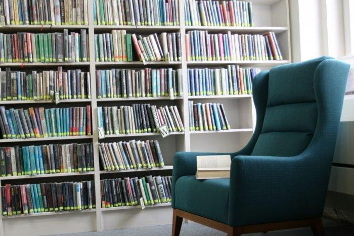 Ilustračný obrázok k článku Mestská knižnica v Ružomberku je znovu otvorená pre verejnosť: Ako sa dostať ku knihe?