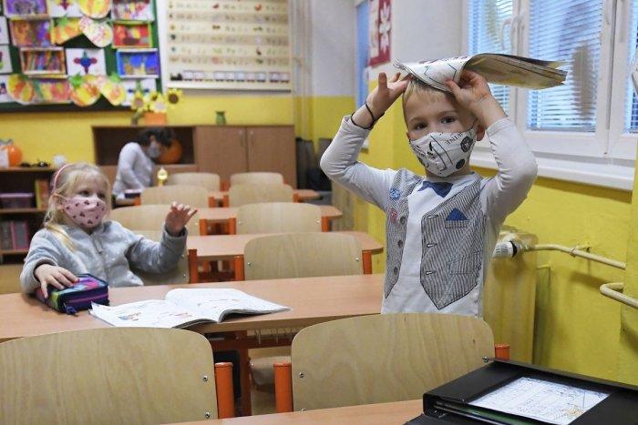 Ilustračný obrázok k článku Kontakt s deťmi chýbal: Mikuláš má za sebou zápisy, do škôl nastúpia stovky prvákov