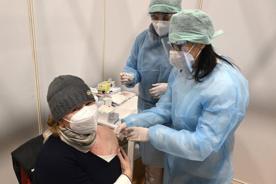 Ilustračný obrázok k článku Banskobystrický kraj sa chystá na očkovanie vo veľkom: Spustil nábor zdravotníkov