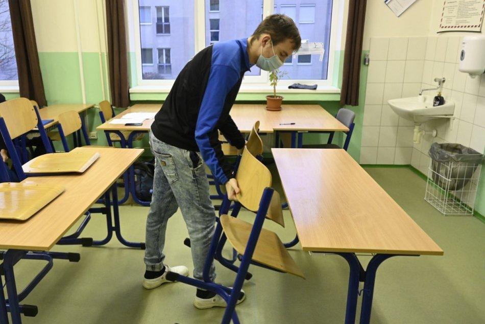 Ilustračný obrázok k článku Košická župa otvára vybrané stredné školy. Kto sa bude môcť vrátiť do lavíc?