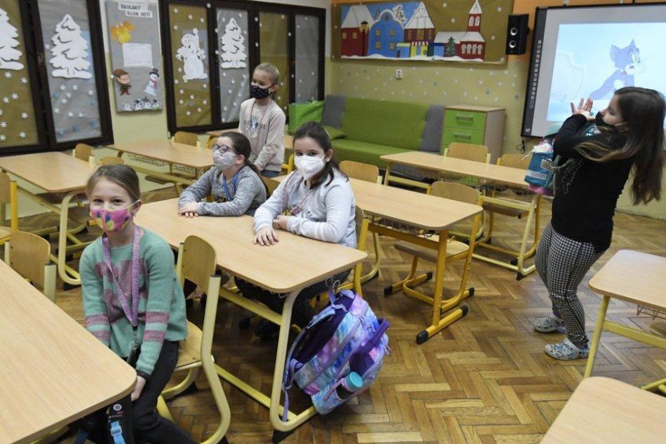 Ilustračný obrázok k článku Nielen Trenčín: Zatvoriť všetky školy musia až štyri okresy nášho regiónu