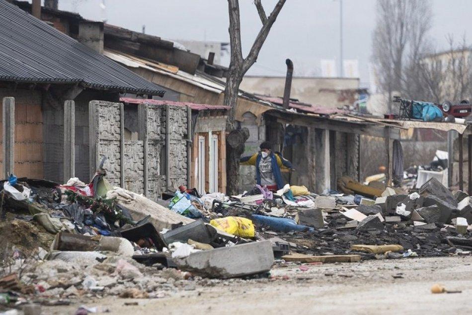 Ilustračný obrázok k článku Karanténa v rómskej osade v Pezinku: Ako miestni zvládajú neľahkú situáciu?