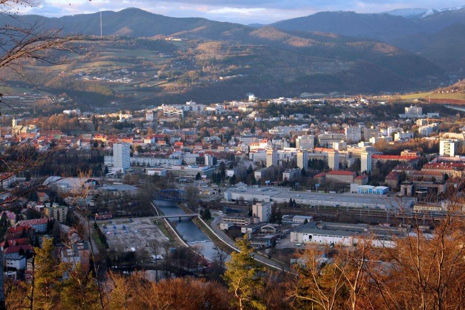 Ilustračný obrázok k článku Hľadáte valentínsku romantiku? 7 miest, odkiaľ je najkrajší výhľad na Bystricu, FOTO