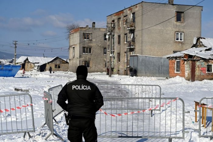 Ilustračný obrázok k článku Situácia v rómskej osade je vážna! Zostane aj naďalej zatvorená