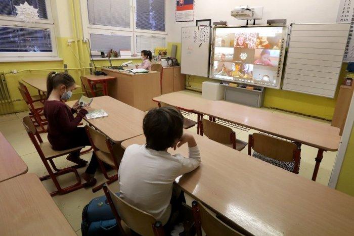 Ilustračný obrázok k článku Deti sa opäť vrátia do lavíc: Košice otvoria materské a prvý stupeň základných škôl