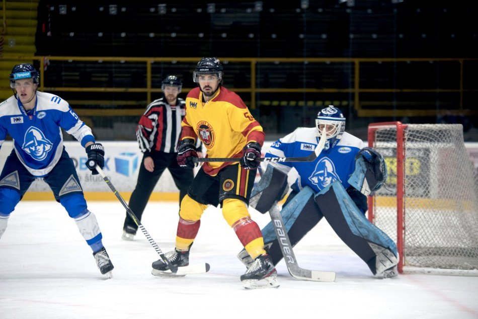 Ilustračný obrázok k článku Hokejisti Topoľčian úspešní: Martinu strelili 5 gólov, FOTO