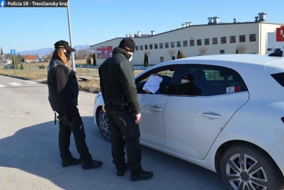 Ilustračný obrázok k článku Akcia Certifikát: Policajti uložili aj pokuty, FOTO