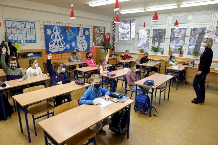 Ilustračný obrázok k článku Otvoria základné školy v Zlatých Moravciach? Krízový štáb jednohlasne rozhodol