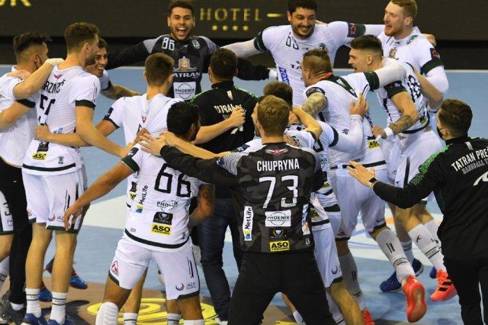 Ilustračný obrázok k článku Prehrávali o 5 gólov, no nevzdali sa: Hádzanári Tatrana Prešov sa tešia z víťazstva!
