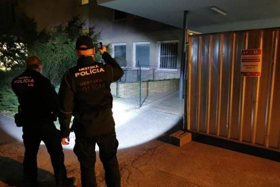 Ilustračný obrázok k článku Vo Zvolene zasahovali mestskí policajti: Čo robil mladík v chránenom objekte?