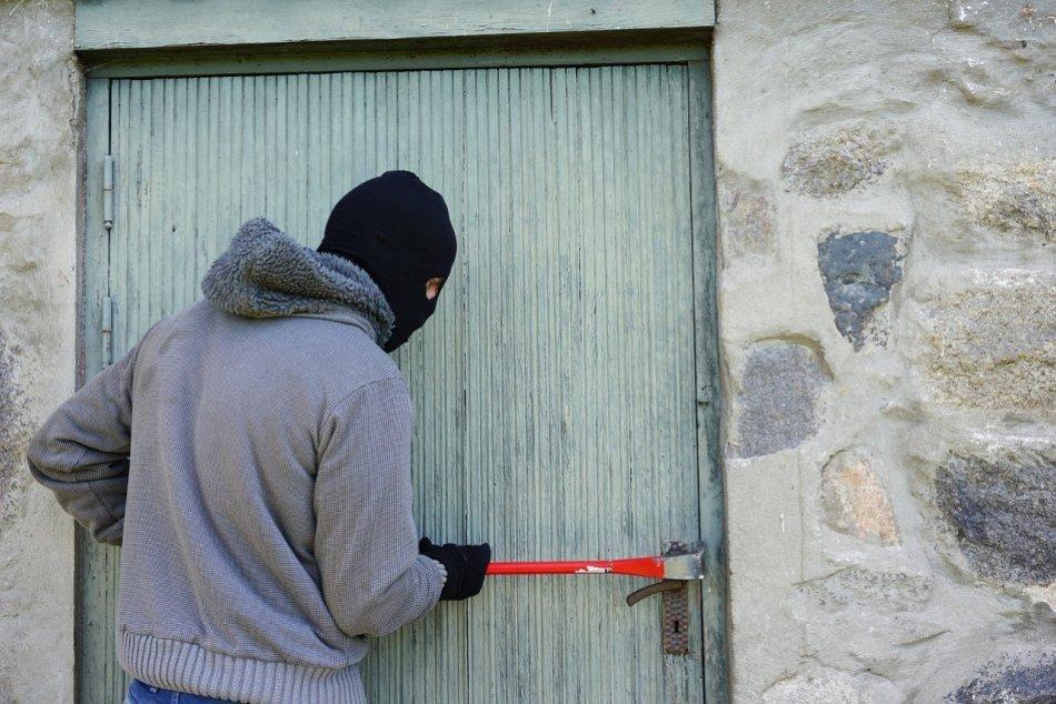 Ilustračný obrázok k článku V Prešove a okolí vyčíňali zlodeji: TOTO všetko zmizlo zo stánku a rodinného domu