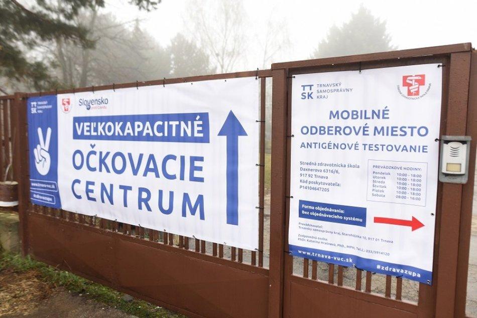 Ilustračný obrázok k článku Očkovanie AstraZenecou v Trnavskom kraji pokračuje: Vakcínu pichli tisíckam ľudí