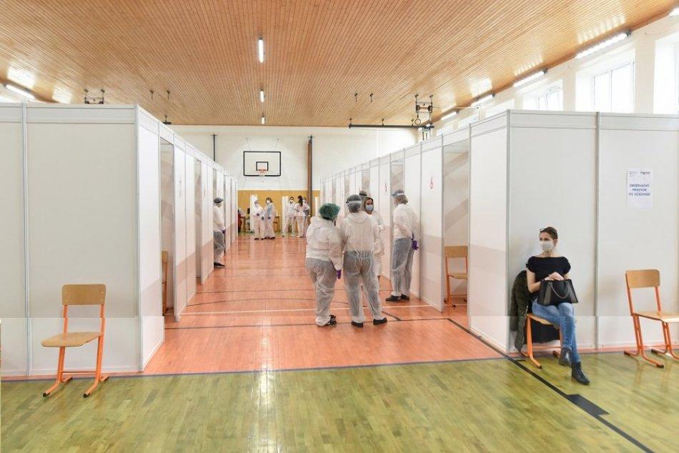 Ilustračný obrázok k článku Očkovanie učiteľov v Trnave odštartovalo: FOTO a VIDEO z veľkého vakcinačného centra