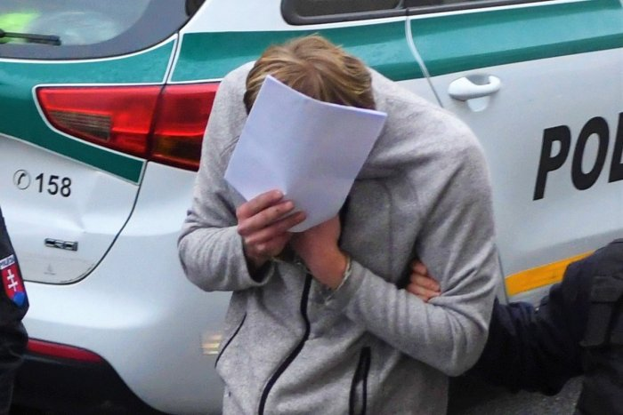 Ilustračný obrázok k článku Poškodená žena, obvinený muž: Dajte pozor, aby sa takýto PODVOD nestal aj vám