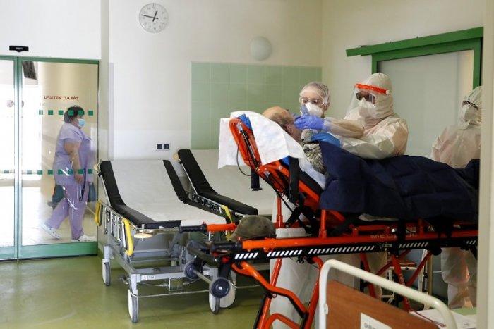 Ilustračný obrázok k článku V Česku je situácia stále kritická, vo vážnom stave je rekordný počet pacientov