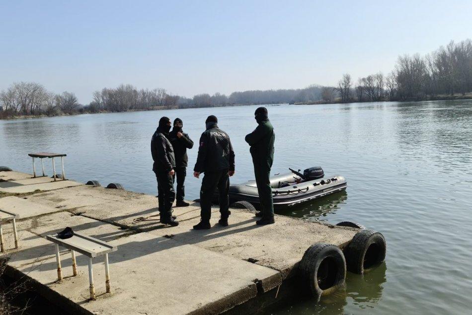Ilustračný obrázok k článku Veľká pátracia akcia na brehoch Váhu: V rieke sa údajne utopil chlapec