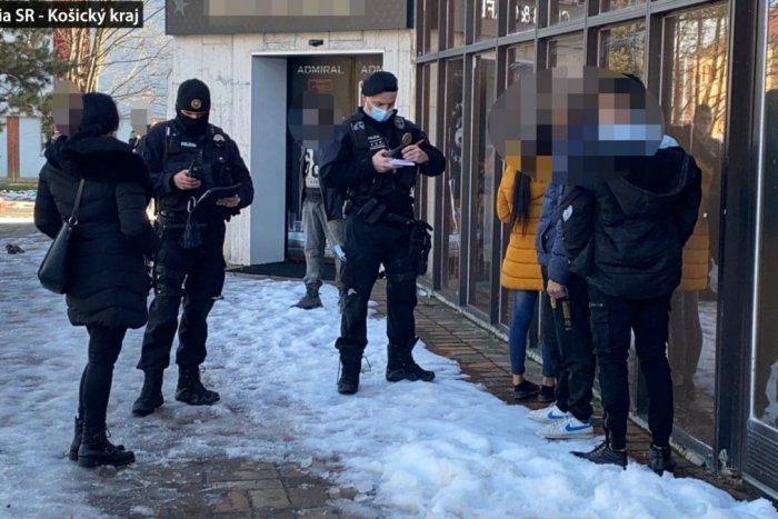Ilustračný obrázok k článku Polícia so závažným zistením zo Spišskej: Tieto obchody boli otvorené!