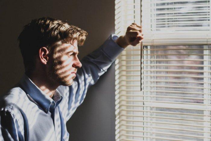 Ilustračný obrázok k článku Kedy vám hrozí POVINNÁ karanténa? V týchto dvoch prípadoch sa nepohnete z domu 14 dní!