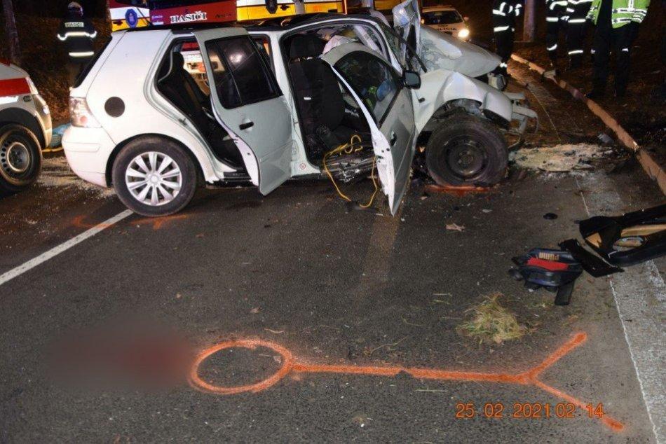 Ilustračný obrázok k článku V Bystrici došlo k tragickej nehode: Vodič bol zakliesnený, ženu vymrštilo z auta, FOTO