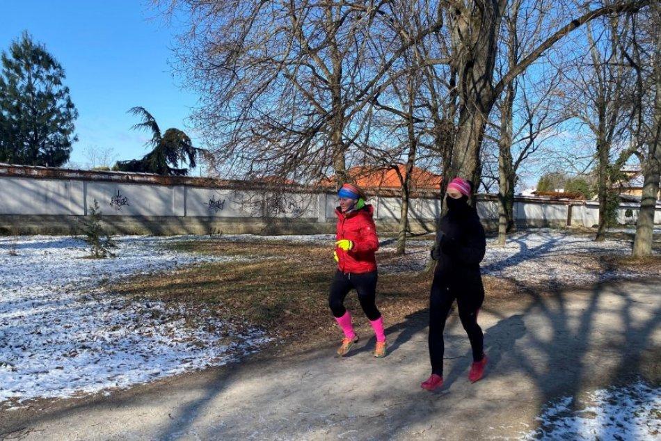 Ilustračný obrázok k článku Neodradili ich ani prudké mrazy: Nadšenci odbehli 2. kolo bežeckej súťaže, FOTO