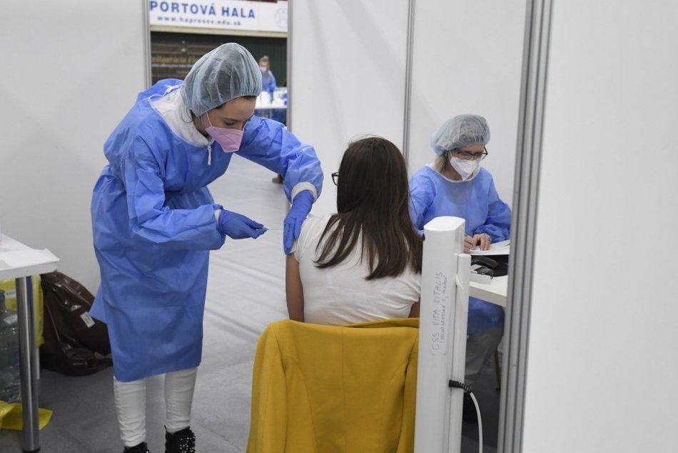Ilustračný obrázok k článku Koniec súťaže o voľné termíny: Banskobystrický kraj spúšťa vlastný systém náhradníkov na očkovanie