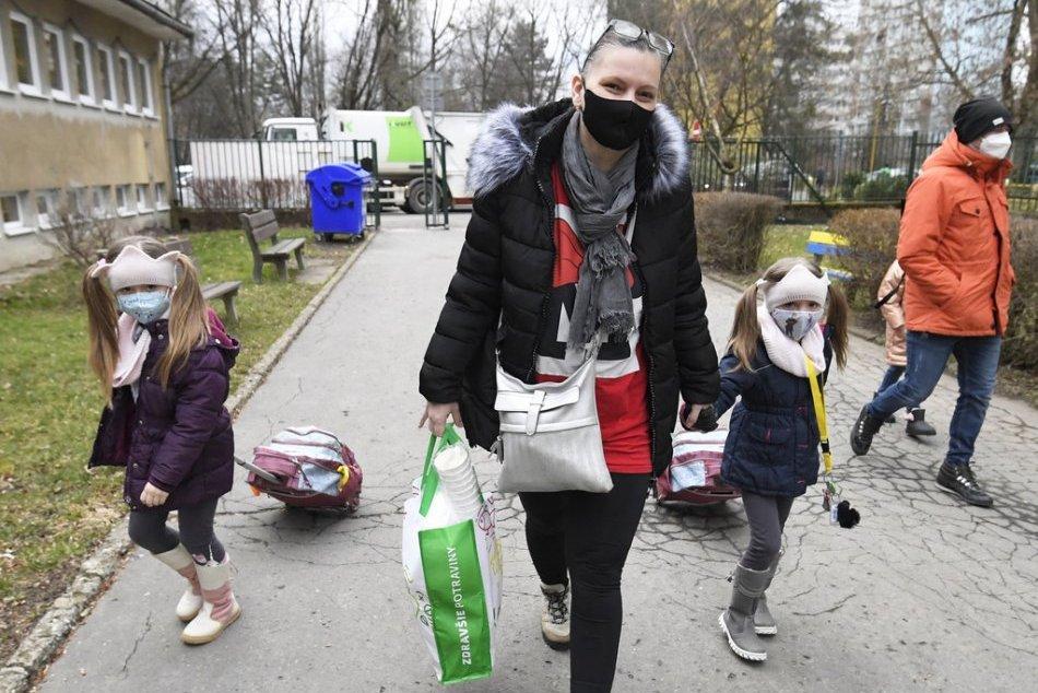 Ilustračný obrázok k článku Školy v Banskej Štiavnici ostávajú otvorené: Rodičov pretestujú v sobotu