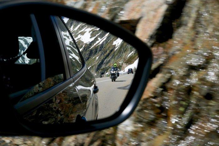 Ilustračný obrázok k článku Začína sa motorkárska sezóna: RADY polície vám môžu zachrániť život