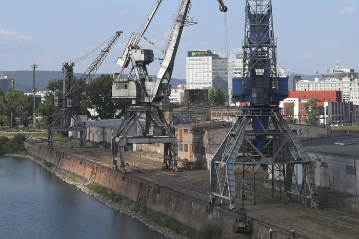 Ilustračný obrázok k článku Developerom cvakli zuby naprázdno: Zimný prístav bude chránený!