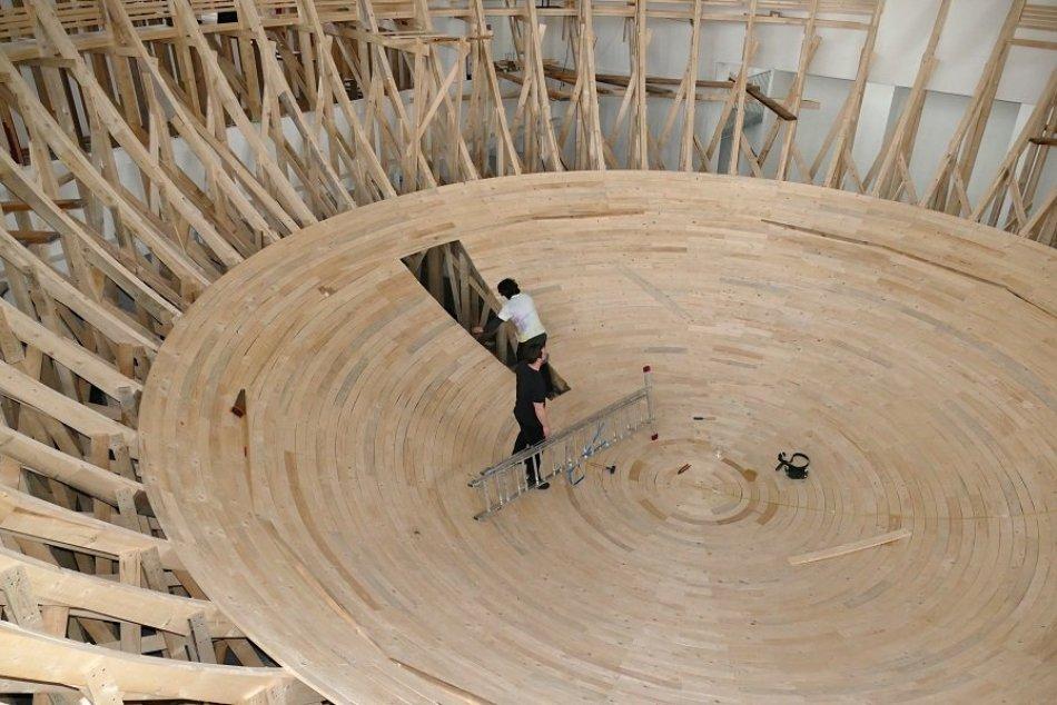 Ilustračný obrázok k článku FOTO a VIDEO: V Novej synagóge v Žiline vzniká nadrozmerné umelecké dielo