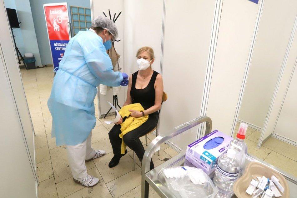 Ilustračný obrázok k článku V Prievidzi otvoria veľkokapacitné očkovacie centrum: Hľadajú sa dobrovoľníci