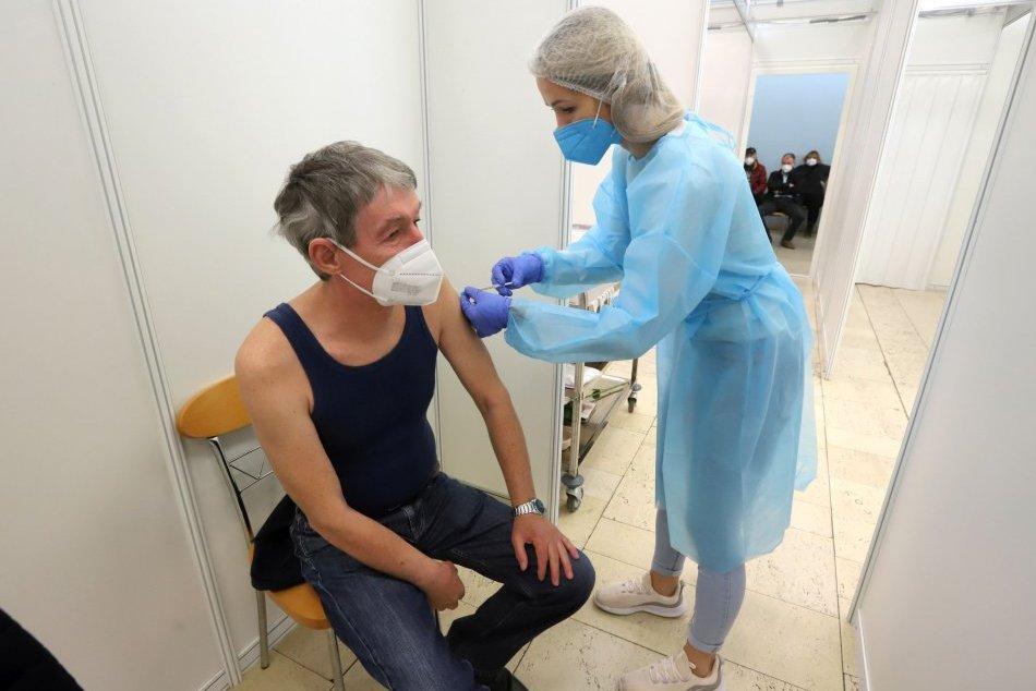Ilustračný obrázok k článku Čakanie na vakcíny by sa mohlo skrátiť: V Spišskej otvorili veľkokapacitné očkovacie centrum