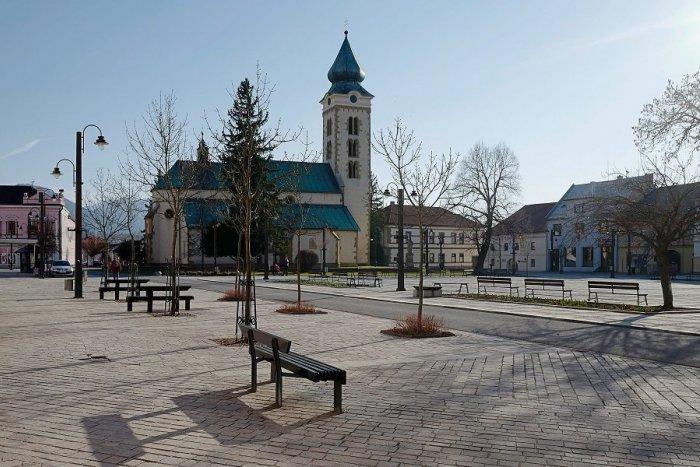 Ilustračný obrázok k článku Návrat života do ulíc Mikuláša: Múzeum a infocentrum sú otvorené, kino a plaváreň nie