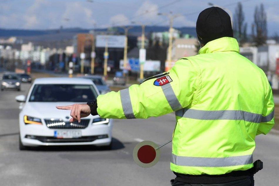 Ilustračný obrázok k článku Nadrogovaní vodiči v Považskej Bystrici: Policajti ich odhalili v jeden deň