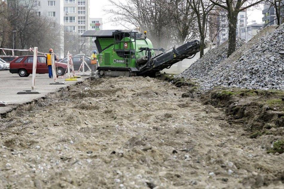 Ilustračný obrázok k článku Mesto ohlásilo veľkú rekonštrukciu chodníkov v Matejovciach: Čo všetko sa opraví?